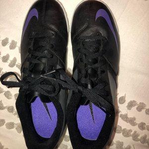 nike bomba II indoor soccer shoes